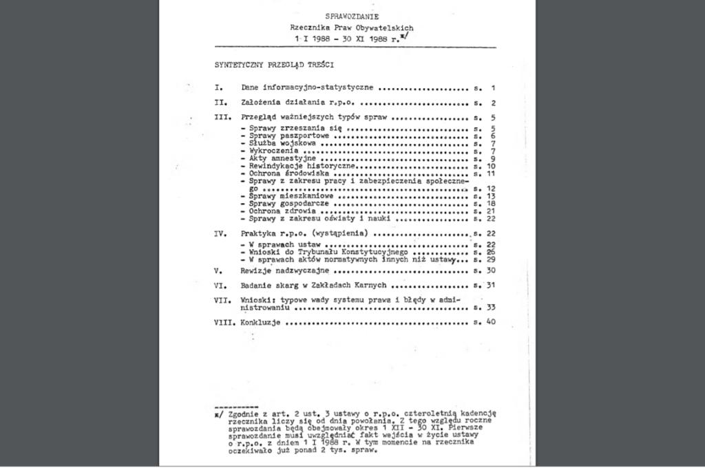 Biała okładka z czarnym tytułem (maszynopis)