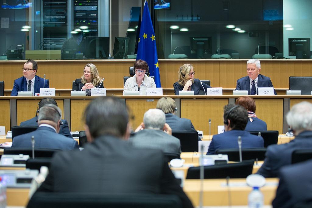 na zdjęciu uczestnicy szczytu, fot. Martin Lahousse, Grupa EPL