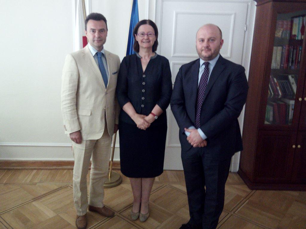 na zdjęciu Artur Kędzierski, Irena Lipowicz i Mariusz Białecki