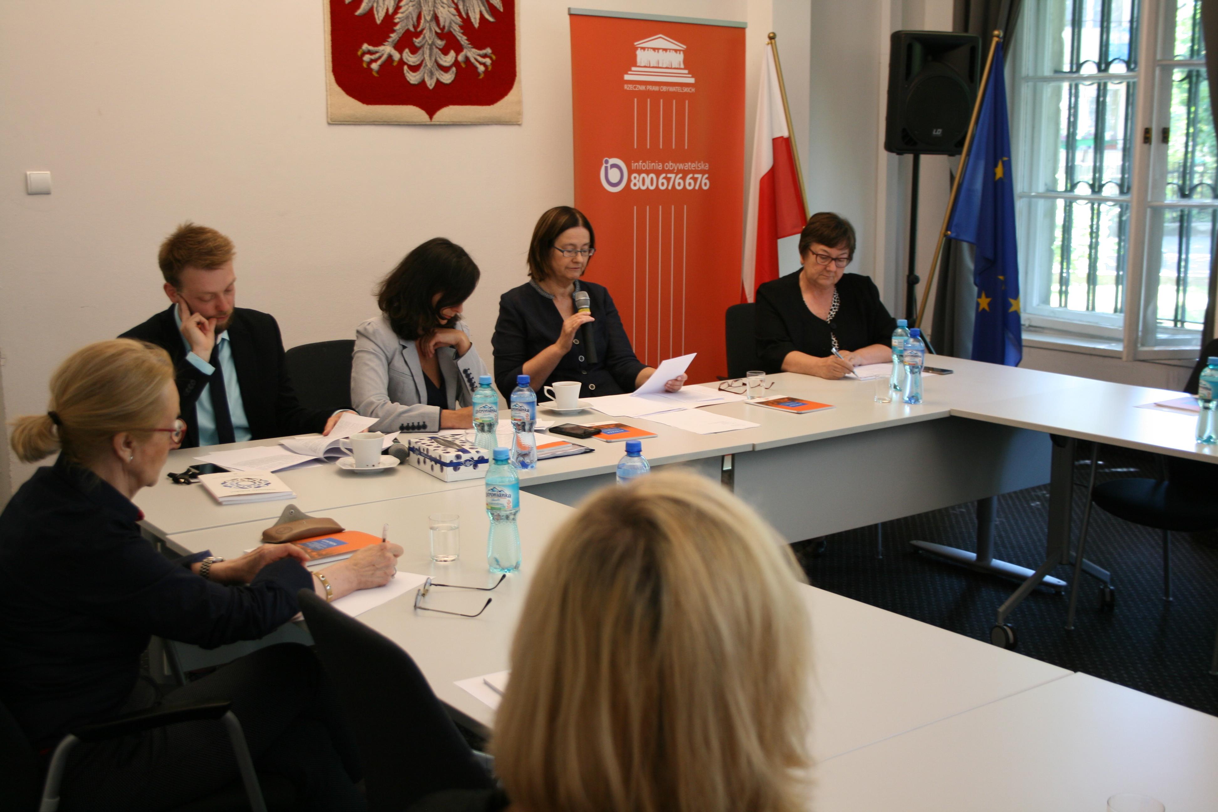 Na zdjęciu członkowie komisji