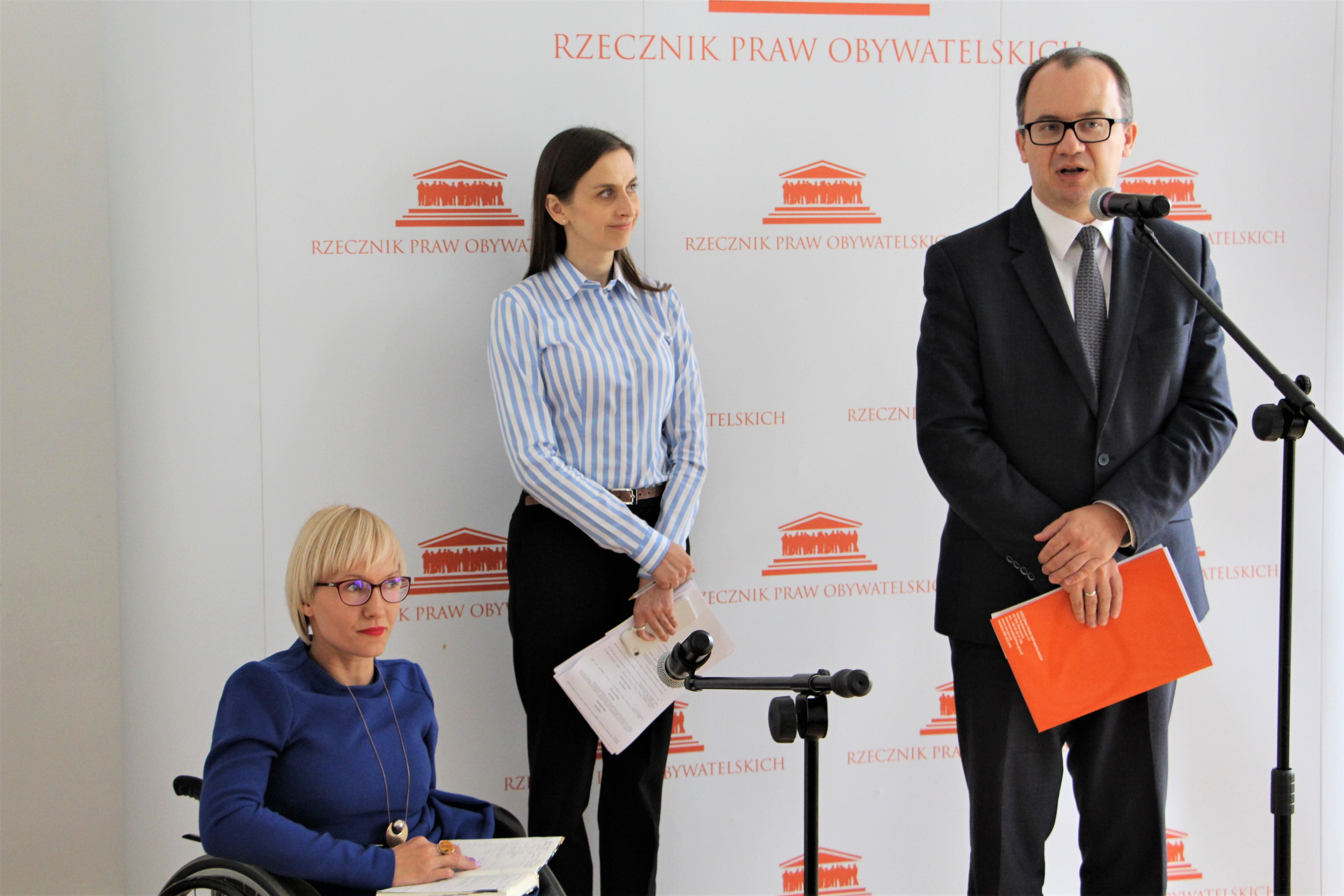 Konferencja w Biurze RPO. Od lewej: Anna Rutz, Sylwia Spurek i Adam Bodnar. Foto: BRPO