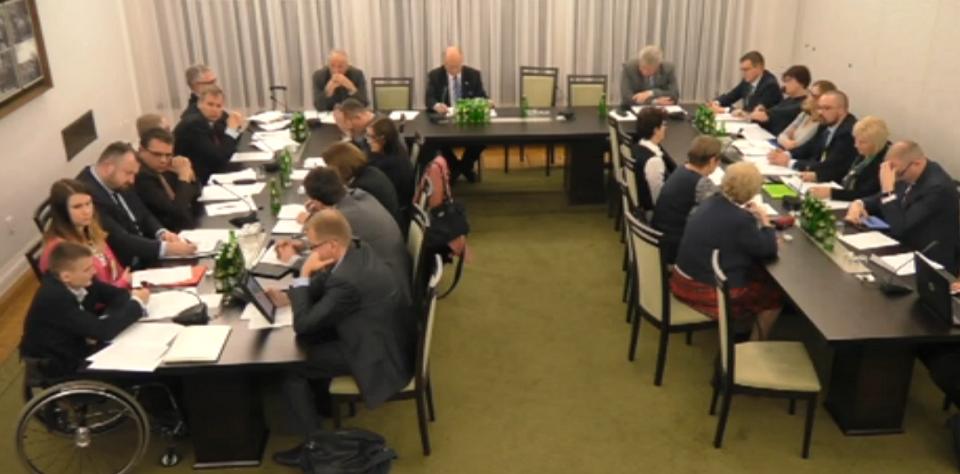 Zdjęcie: posiedzenie komisji senackiej