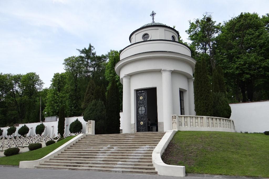 Biały budynek - kaplica