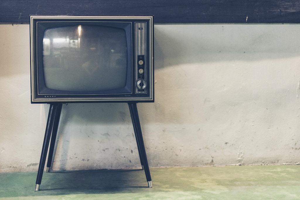 Stary odbiornik telewizyjny