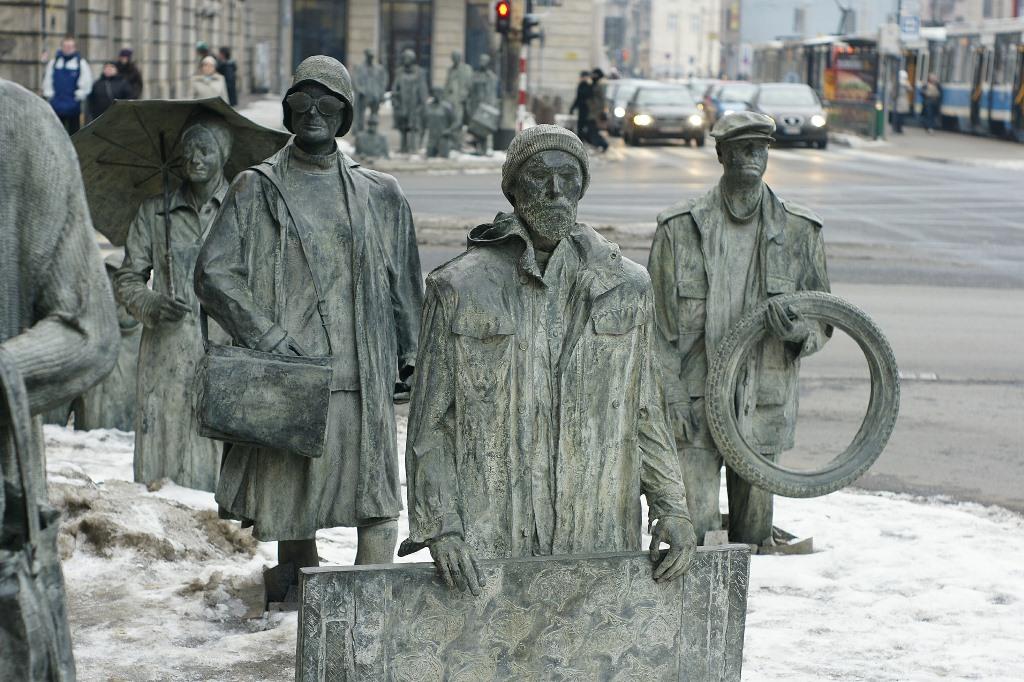 Rzeźby przedstawiające ludzi