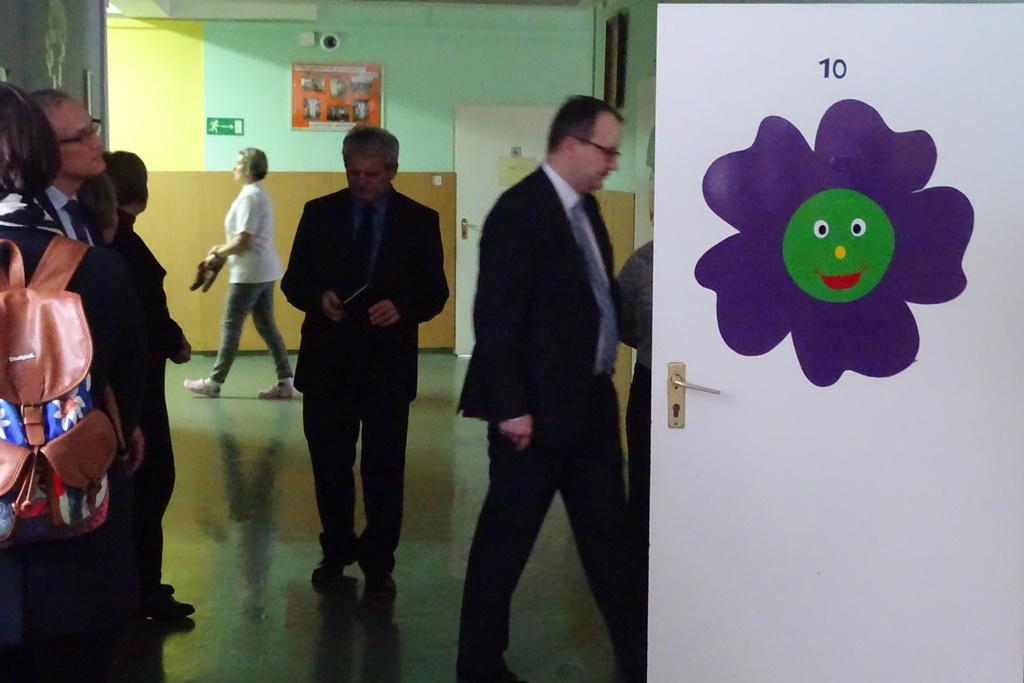 Ludzie na korytarzu