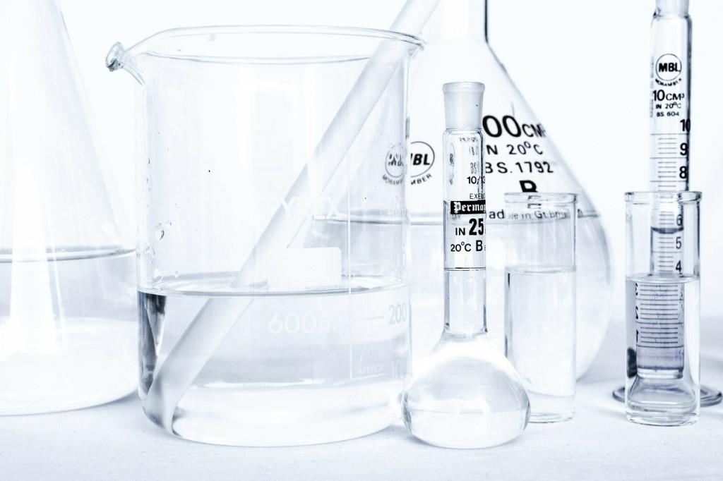 Naczynia w laboratorium