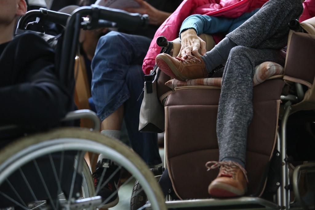 Wózek inwalidzki, ręka