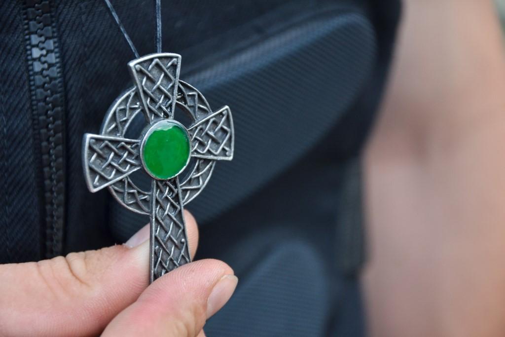 Naszyjnik z krzyżem