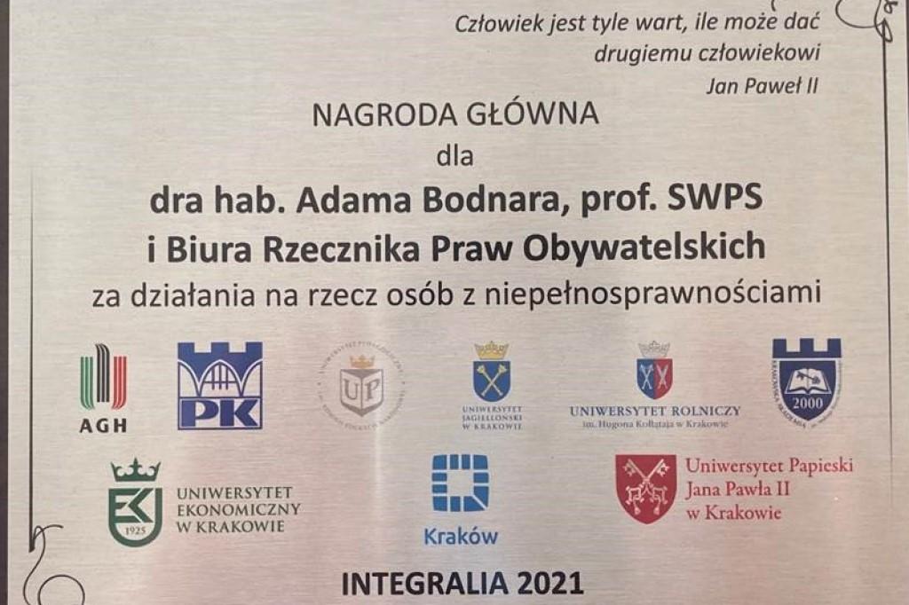 Dyplom z nazwiskiem i instytucjami wspierającymi nagrodę