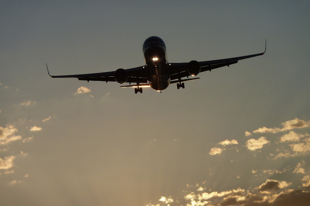 Lecący samolot Boeing