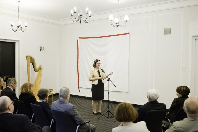 na zdjęciu prof. Irena Lipowicz w trakcie przemówienia