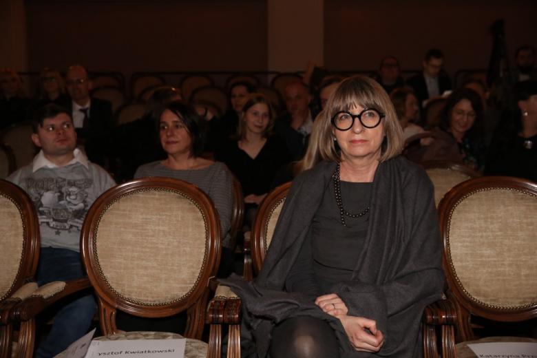 kobieta na widowni