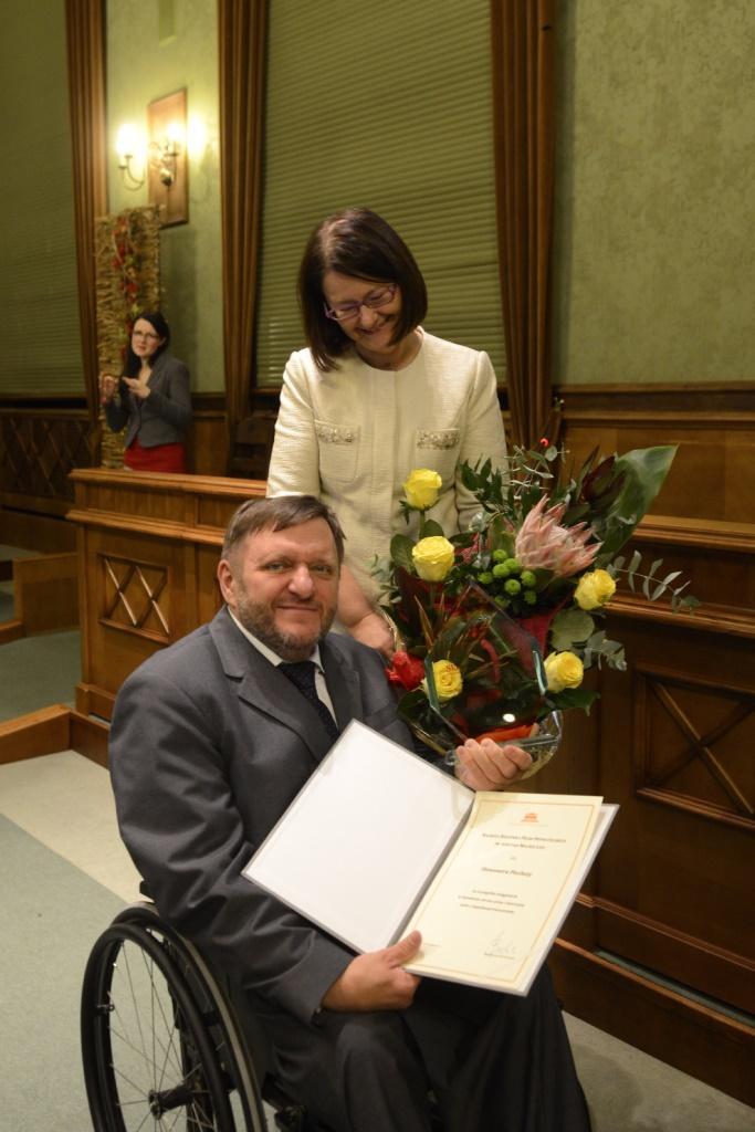 na zdjęciu prof. Irena Lipowicz i Sławomir Piechota