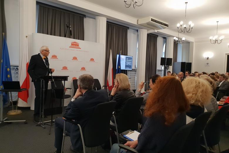 Wykład prof. Marka Safjana podczas otwarcia konferencji nt. Karty Praw Podstawowych