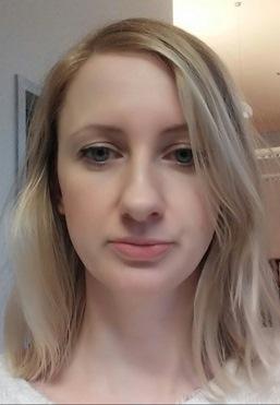 Kobieta z jasnymi włosami