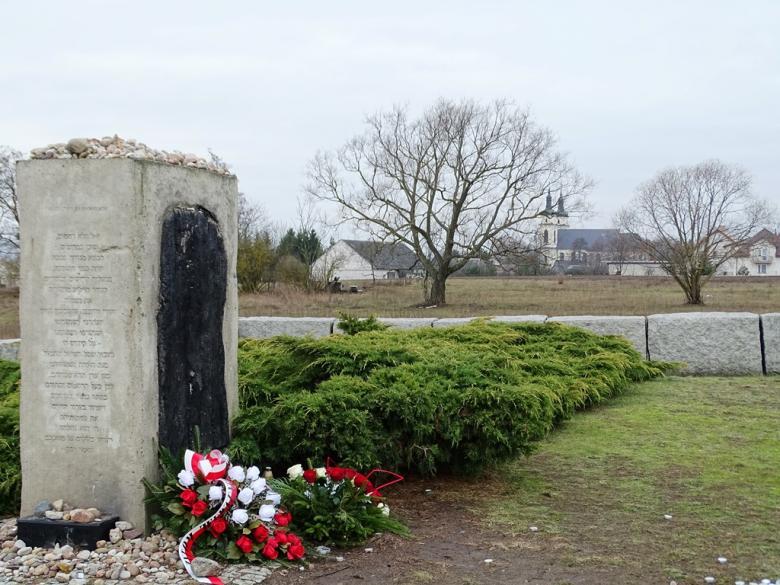 Pomnik i kościół