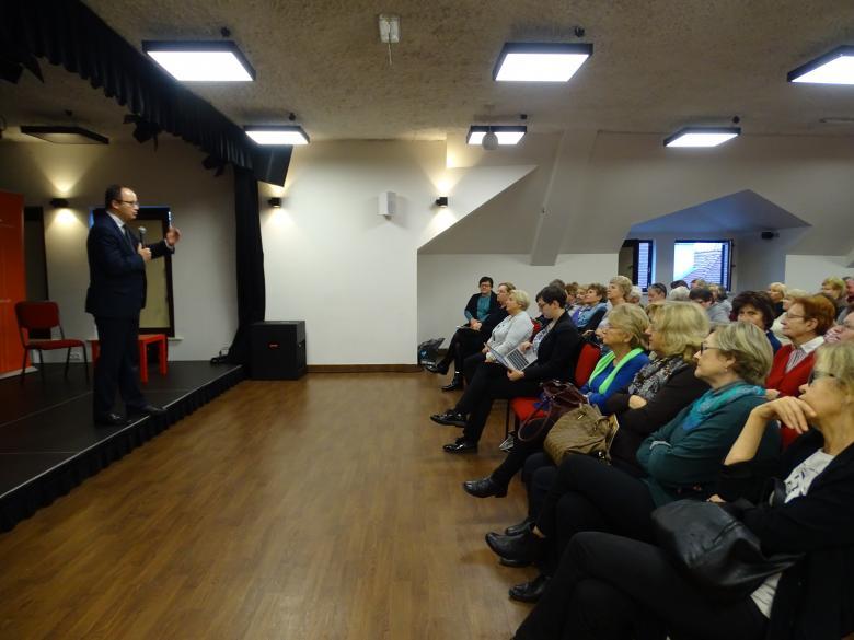 Adam Bodnar podczas wykładu dla Wilanowskiego UTW