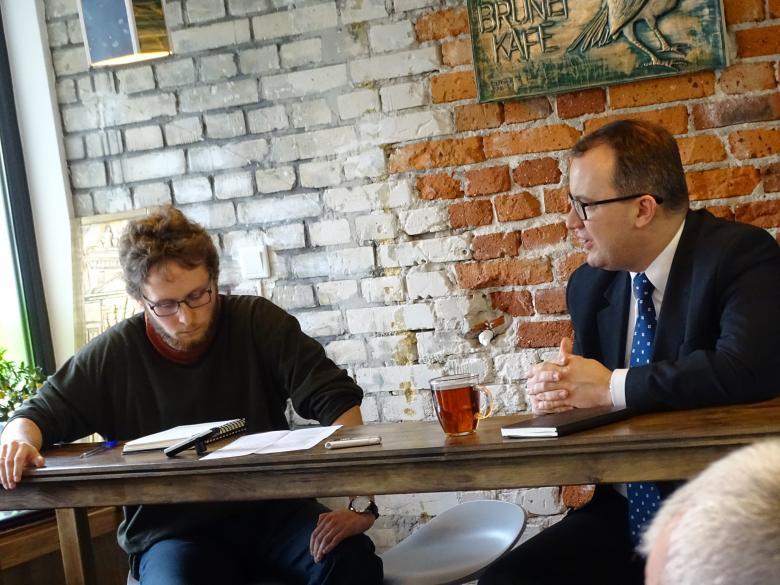 Adam Bodnar wziął udział w obchodach perskiego Nowego Roku w Brunet Kafe. Na zdjęciu z red. Ignacym Dutkiewiczem.