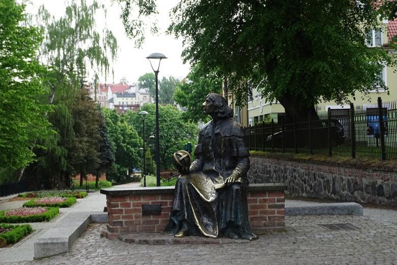 Pomnik-ławeczka Mikołaja Kopernika
