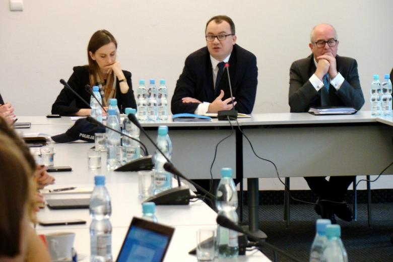 na zdjęciu dr Sylwia Spurek, dr Adam Bodnar i Andrzej Seremet