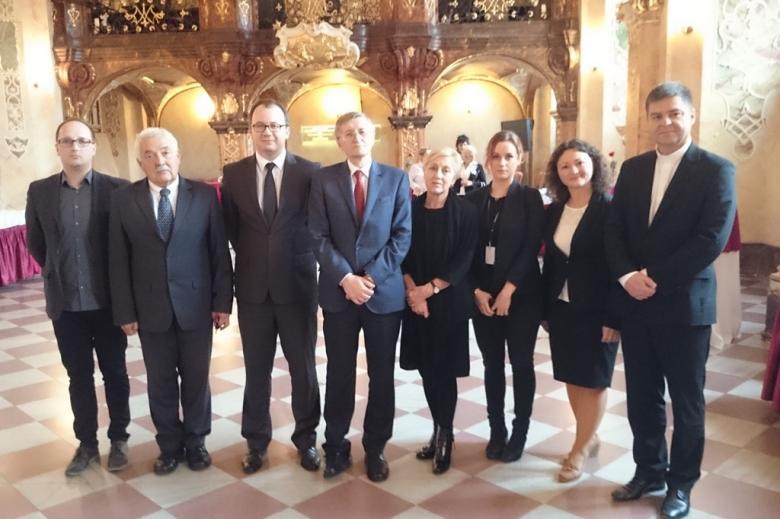 na zdjęciu uczestnicy posiedzenia kapituły Nagrody RPO im. doktora Macieja Lisa