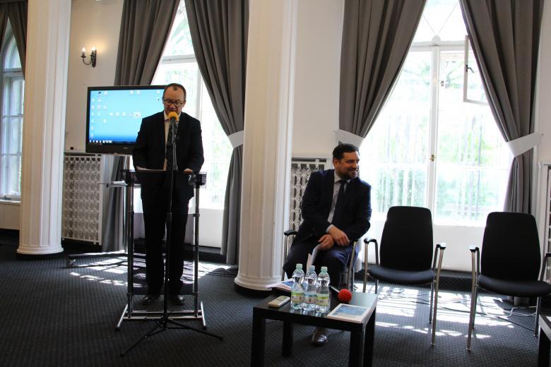 """Seminarium w Biurze RPO """"Prawa człowieka a wyzwania bioetyczne związane z nowymi technologiami""""."""