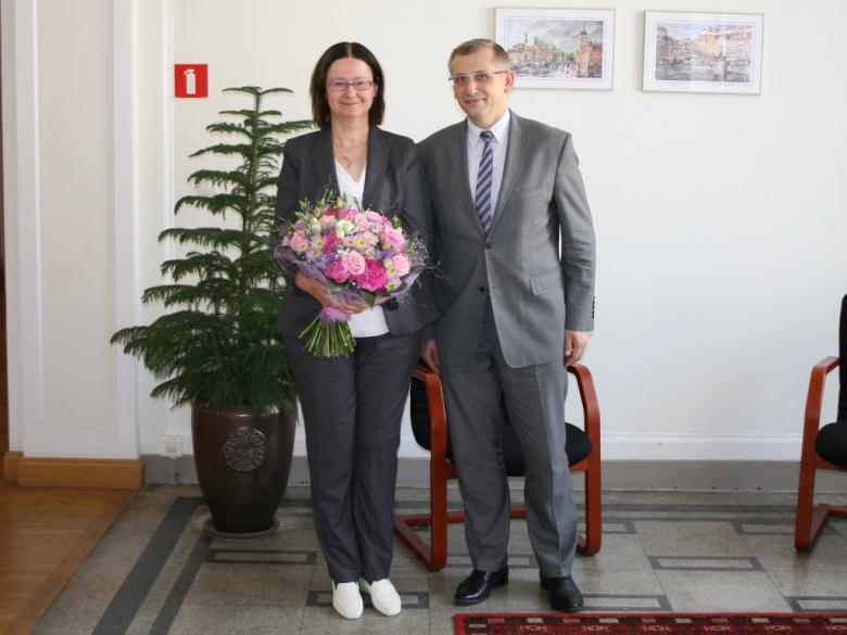 na zdjęciu prof. Irena Lipowicz i Krzysztof Kwiatkowski