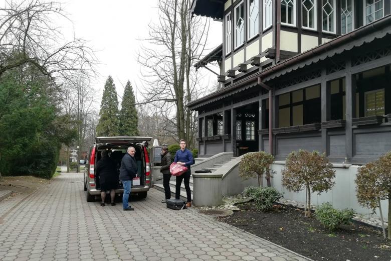 Busik przed domem zdrojowym