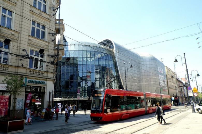Ulica, tramwaj