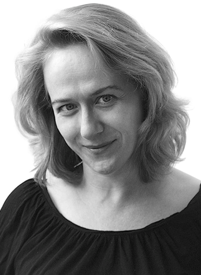 Czarno-białe zdjęcie kobiety