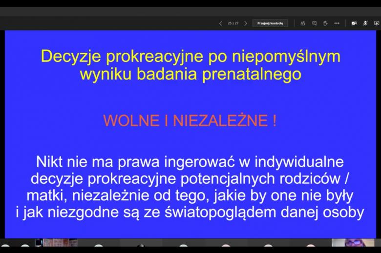 Zdjęcie ekranu komputera z tekstem prezentacji o niezależnym wyborze