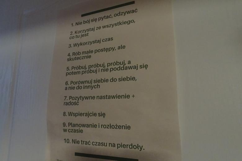Tablica z zasadami