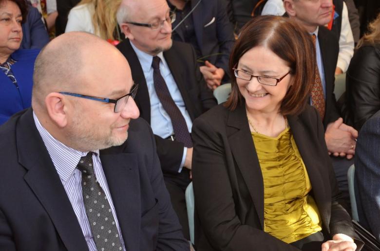 na zdjęciu Wicewojewoda Śląski Piotr Spyra i prof. Irena Lipowicz