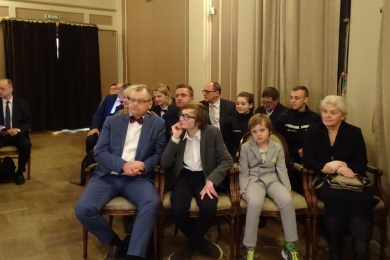 Zdjęcie: młodzi goście