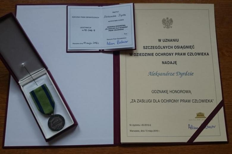 zdjęcie: dyplom i medal