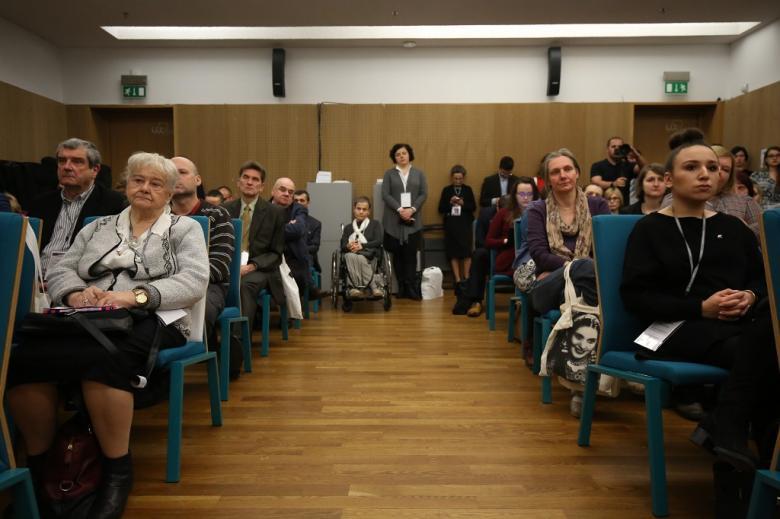 Sala pełna uczestników paneli