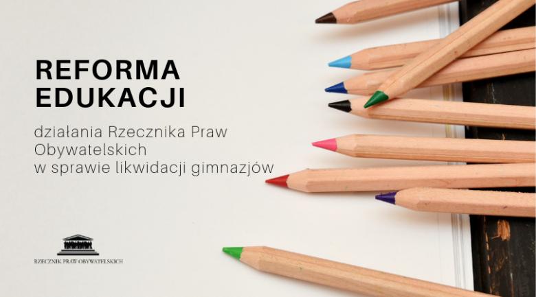 kolorowe kredki z napisem reforma edukacji