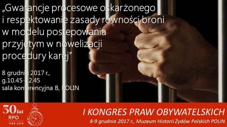 Mem na zdjęciu rąk zaciśniętych na więziennych kratach