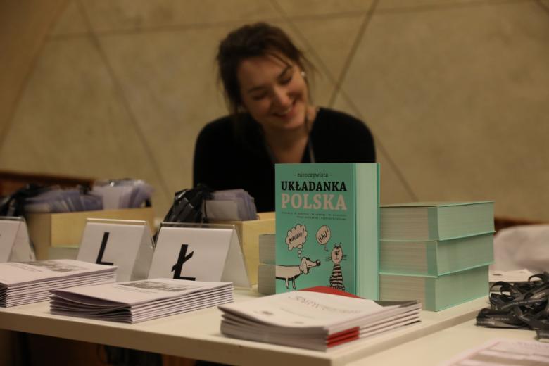 Książka z tytułem POLSKA na stoisku