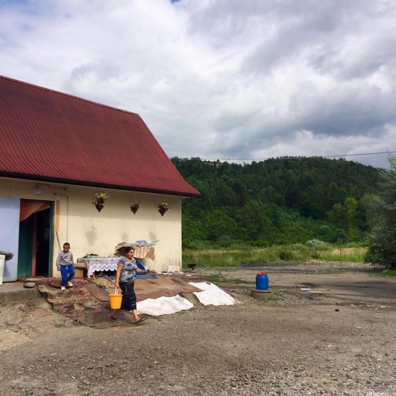 Przedstawiciele Rzecznika Praw Obywatelskich odwiedzili osiedle romskie w Maszkowicach