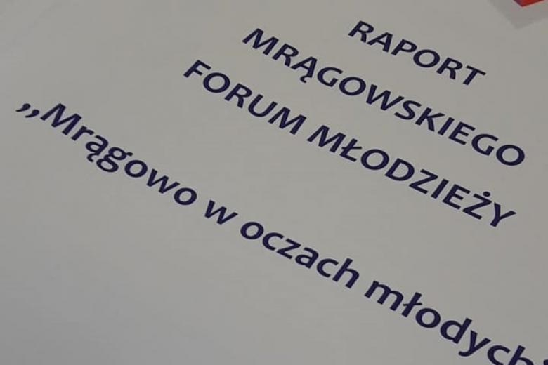 """Dokument pod tytułem """"Raport Mrągowskiego Forum Młodzieży"""""""