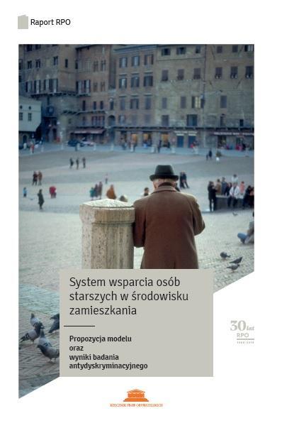 grafika: fragment ogładki publikacji ze starszym mężczyzną stojącym na rynku
