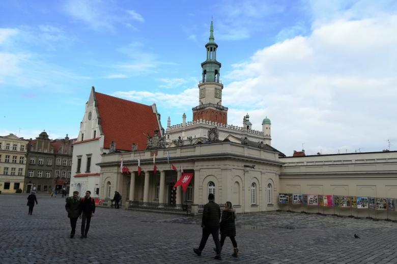 Renesansowy budynek z wieżą