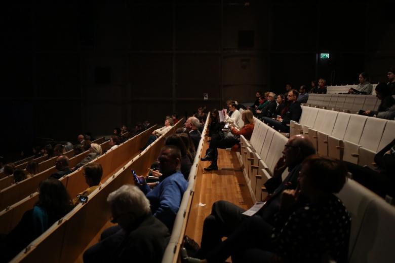 Widok na publiczność w audytorium