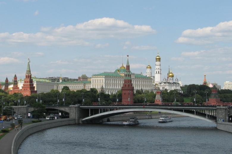 Cerkwie i zamek nad rzeką