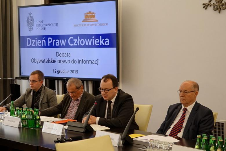 na zdjęciu od lewej Bartosz Wilk, Henryk Wujec, dr Adam Bodnar, prof. Michał Seweryński