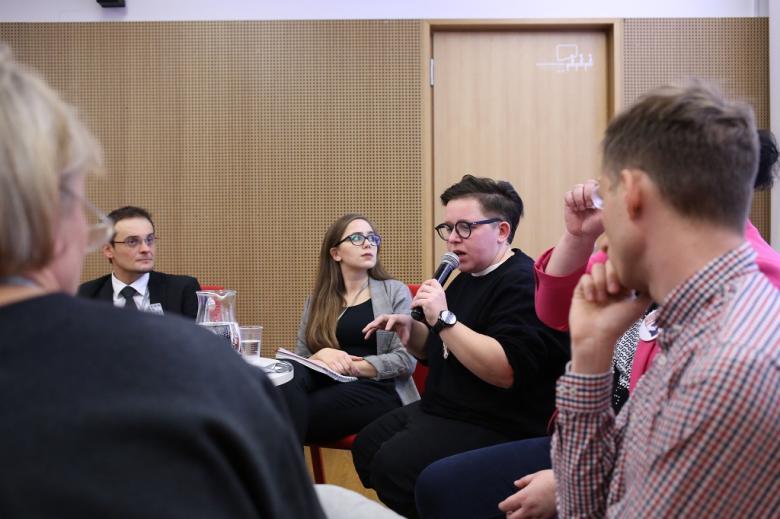 Paneliści dyskutują