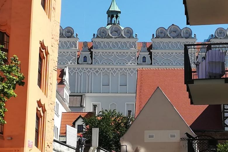 Stare miasto, dachy kamienic
