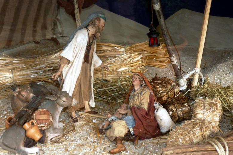 Figurki Dzieciątka, Józefa i Marii na sianie